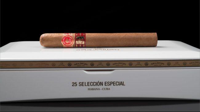Juan Lopez trình bày phiên bản Seleccion trong 1 humidor 25 điếu