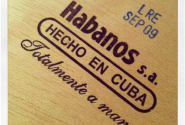 Con dấu trên hộp xì gà Cuba