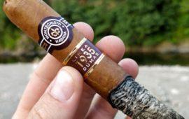 Đánh giá xì gà Montecristo Linea 1935 – Sự pha trộn độc đáo