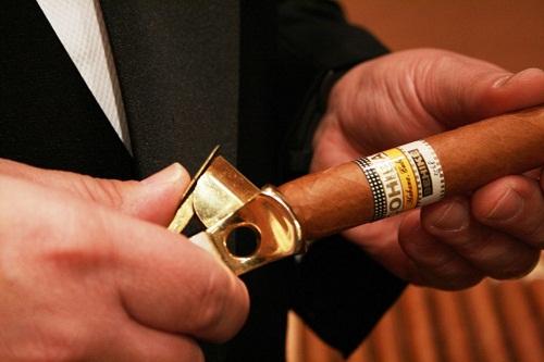 Cập nhập bảng giá thuốc xì gà Cohiba mới nhất 2020