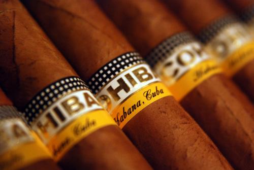 Giá thuốc xì gà Cuba bao nhiêu tiền là hàng chuẩn 2020 ?